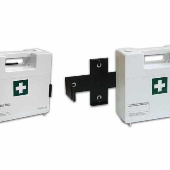 BDR z wieszakiem 580x580 - Apteczka pierwszej pomocy BDR z wyposażeniem DIN 13164 z wieszakiem (systemem mocującym)