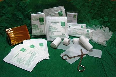 wYPOSAŻENIE DIN 13164 - Przenośna apteczka zakładowa typ K-10 z wyposażeniem DIN 13164 i wieszakiem